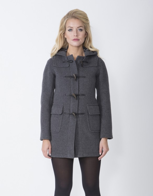 Shop our range of women's coats from ASOS. Browse from a variety of winter coats with faux fur and trench styles in your favorite colours.